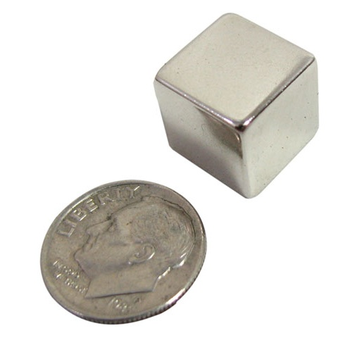 "1/2"" SHINY SILVER MAGNET CUBE"