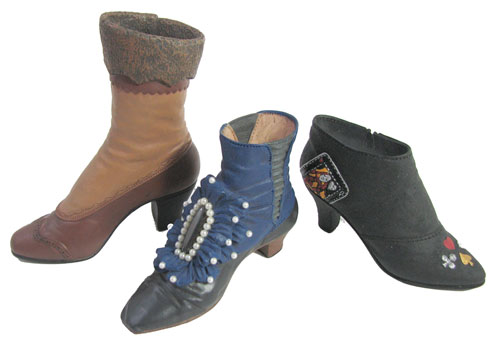 COLLECTIBLE HISTORICAL MODEL BOOTS
