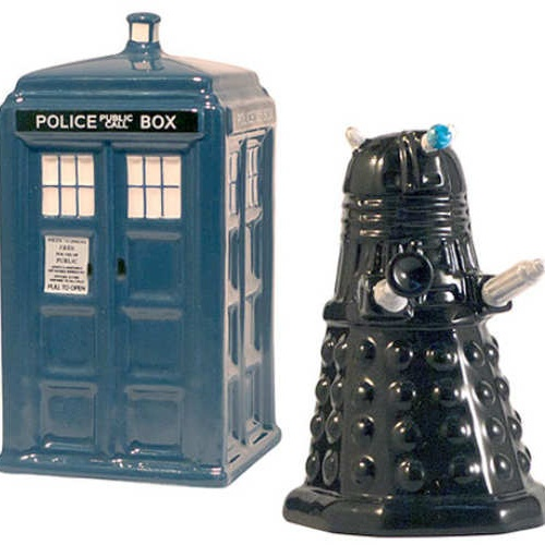 DOCTOR WHO SALT PEPPER SHAKERS