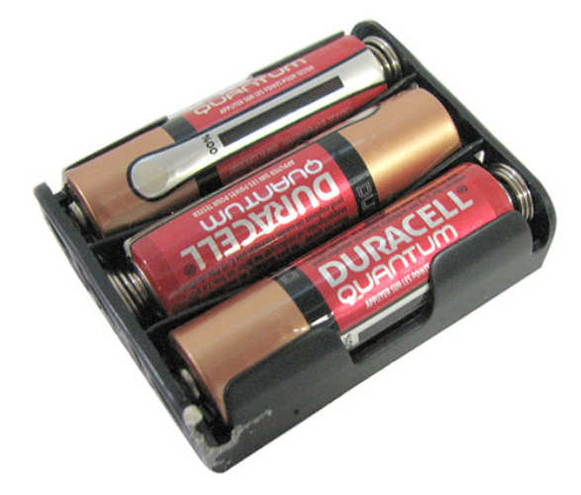 DURACELL® QUANTUM AA BATTERIES WITH HOLDER