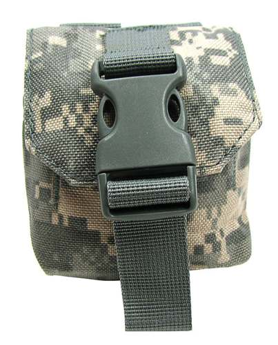 SMALL DIGITAL CAMOUFLAGE POUCH