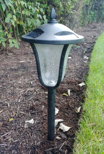 SOLAR-RECHARGEABLE GARDEN PATH LIGHTS