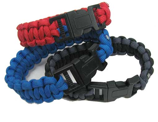 MILITARY-GRADE PARACORD SURVIVAL BRACELET