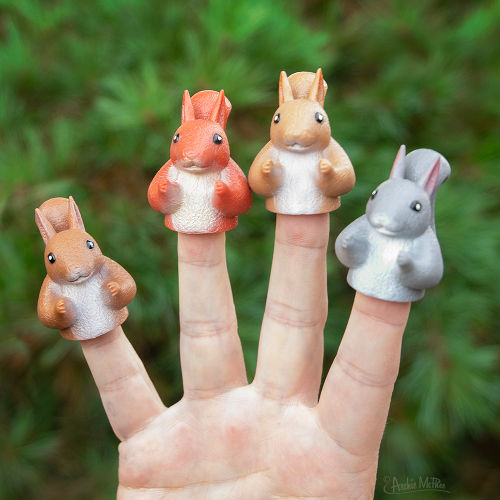 SQUIRREL FINGER PUPPETS
