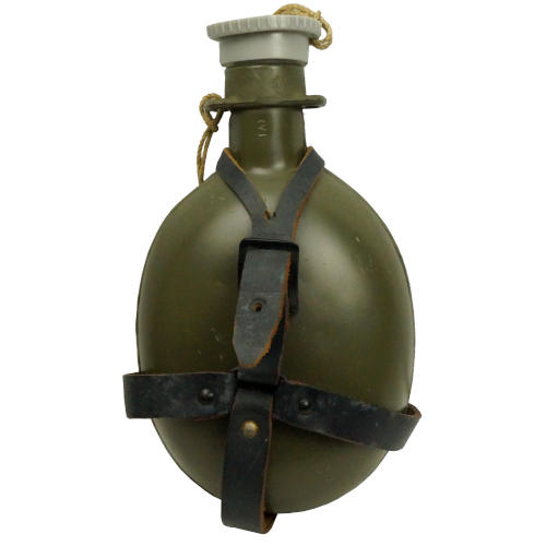 CZECH MILITARY CANTEEN WITH HOLDER