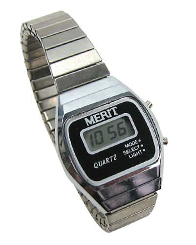 SMALL SIZED CLASSIC DIGITAL WATCH
